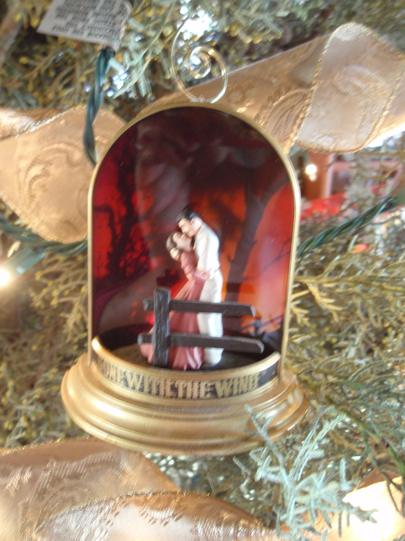 "GWTW 2001 Hallmark ""Farewell Scene"" Magic Ornament"
