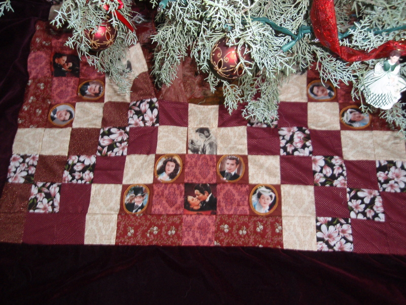 GWTW Quilted Tree Skirt