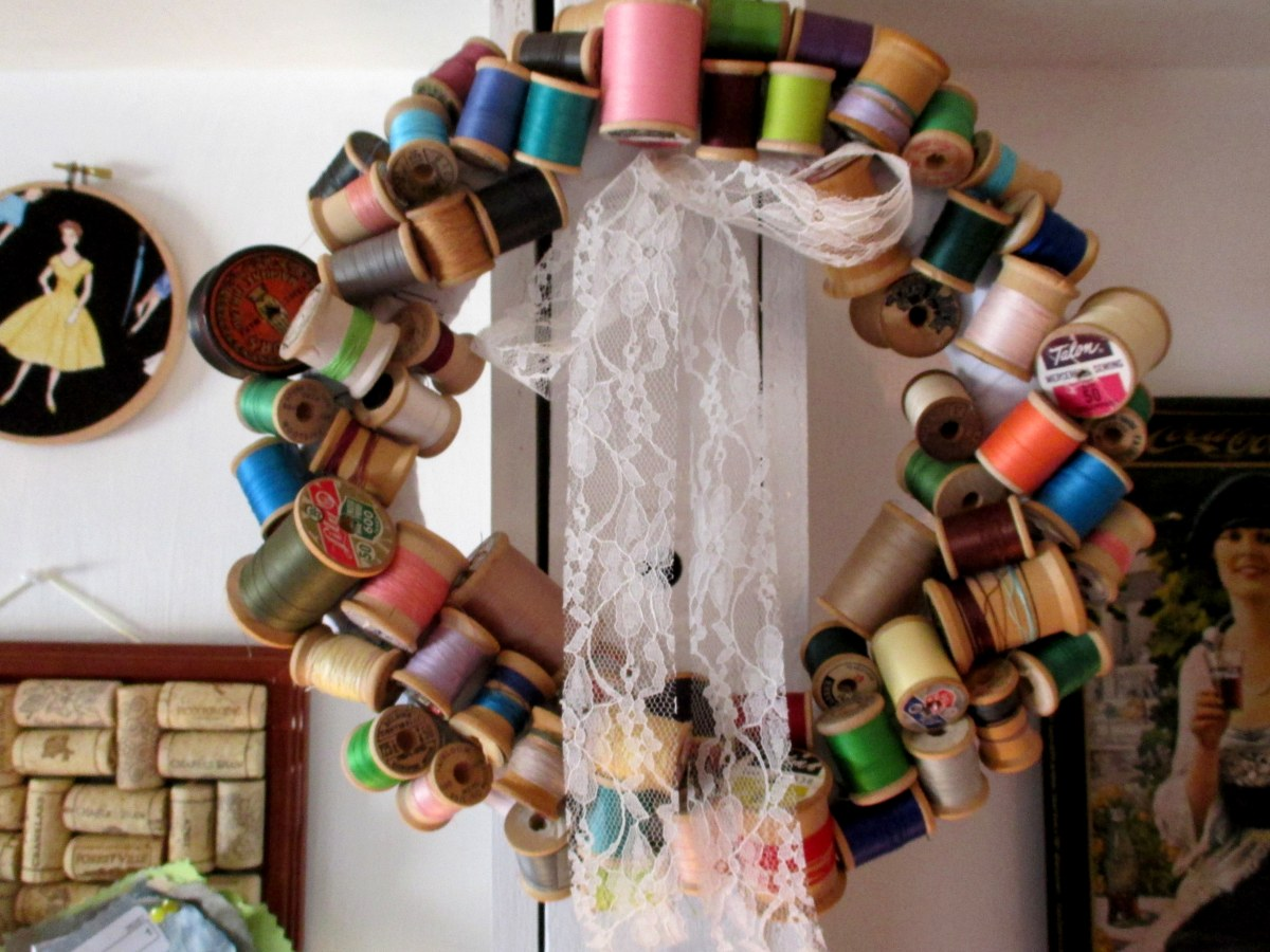 DIY Vintage Thread Spool Wreath
